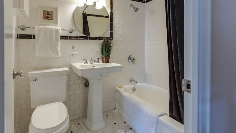 Bathroom checklist for your first apartment | BeTheBudget