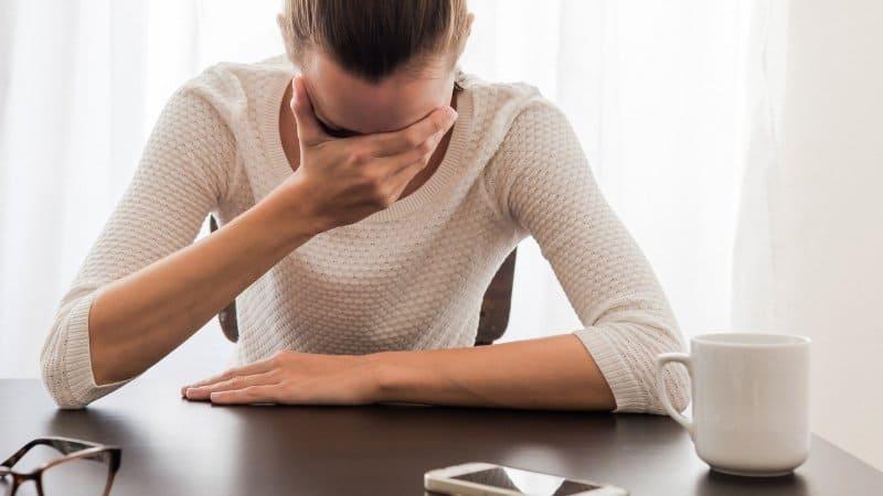 overwhelmed woman | BeTheBudget