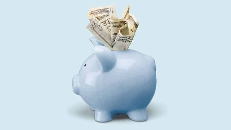 How much money should you keep in savings? | Be The Budget