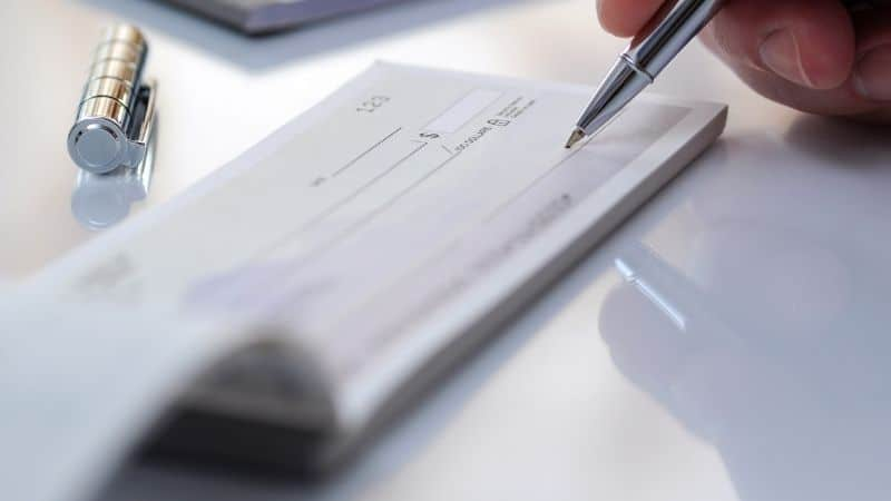 How to correct a mistake on a check   Be The Budget