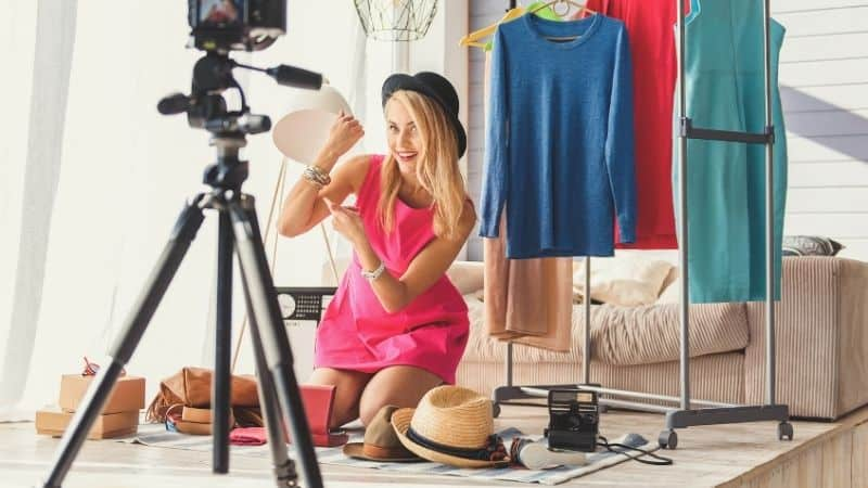 How to make money as a fashion blogger | How much do fashion bloggers make? | Be The Budget